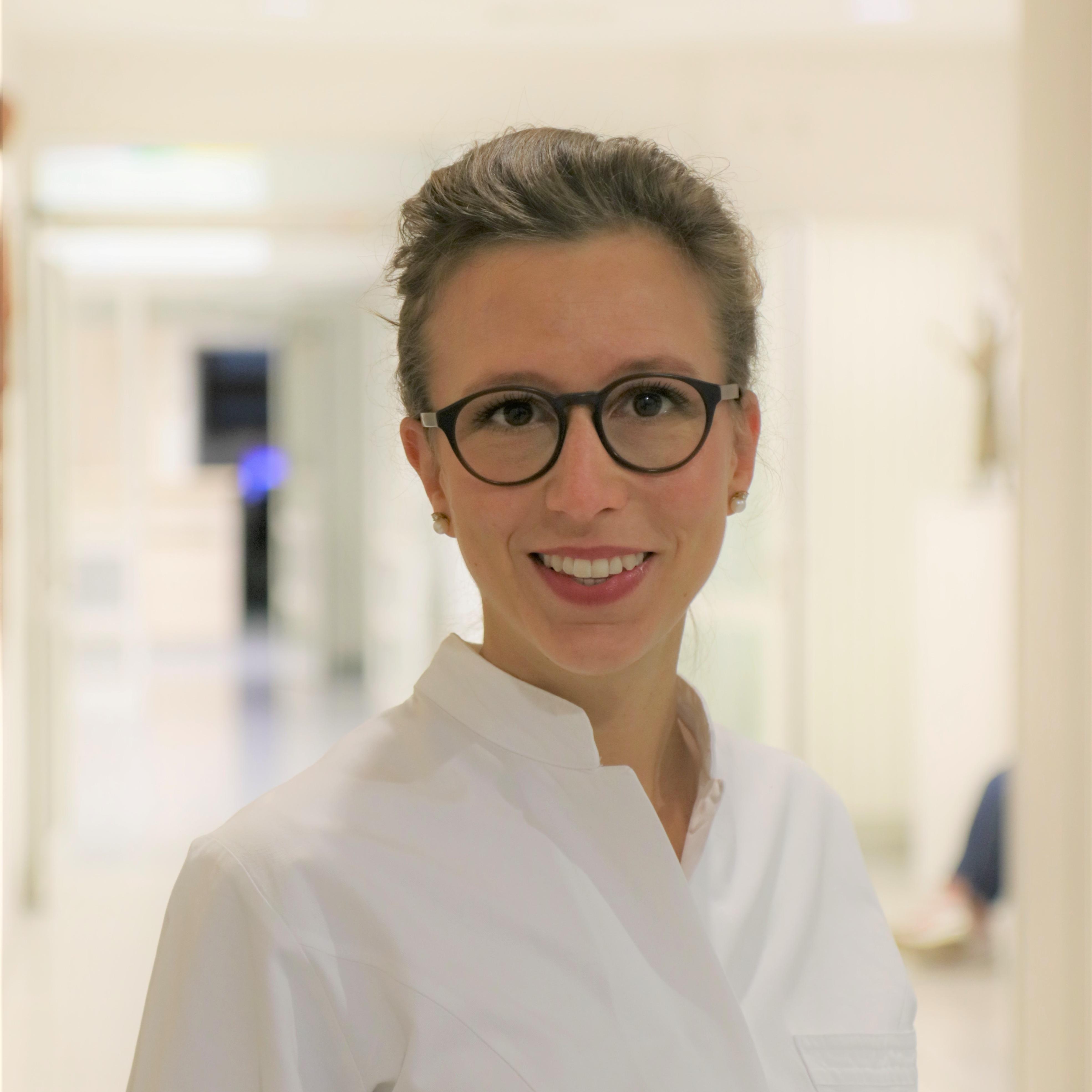 Dr. Diana Vossen